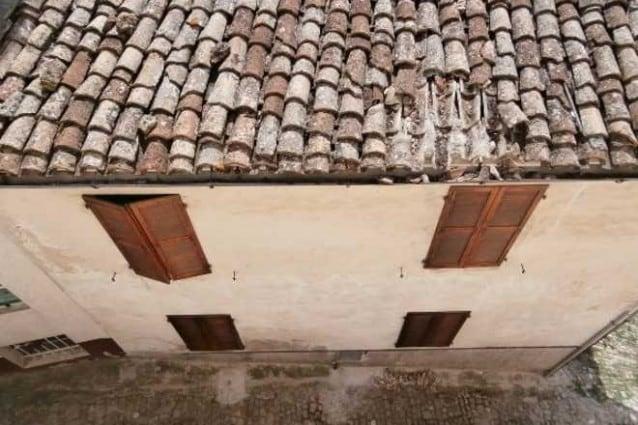 Danno da infiltrazioni del lastrico solare del condominio