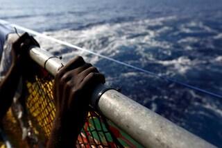 Minacciare l'equipaggio pur di non tornare in Libia non è reato: è legittima difesa