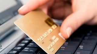 Tagliare i costi di commissione per le carte di pagamento è impossibile: ecco perché