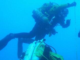 Il giallo dei sub morti e la droga trovata sulle spiagge della Sicilia, forse c'è un legame