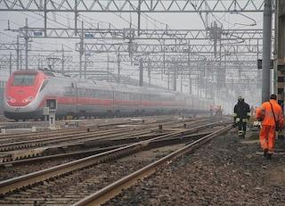 Muore investito da treno mentre lavora i campi: la vittima è consigliere comunale Varzo, in Piemonte