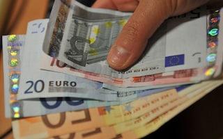"""Reddito di cittadinanza, l'allarme di Svimez: """"L'assegno medio mensile scende a 390 euro"""""""