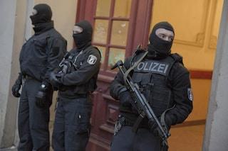 Amburgo, nessuna aggressione in tribunale: un uomo si è ferito da solo