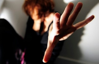 """In trappola col violento: """"Cerco di attirare la sua rabbia su di me per salvare i bambini"""""""