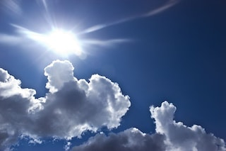 Meteo, sull'Italia torna il bel tempo: sole e temperature miti sulla Penisola
