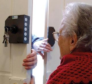 """""""Mamma, ho investito una donna incinta"""": truffa da 10mila euro ai danni di un'anziana 78enne"""