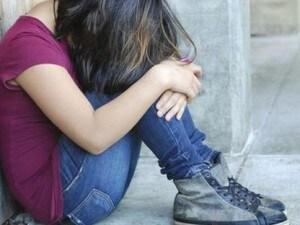 Abusa della figlia 14enne e scappa in Svizzera per evitare la condanna. Estradato