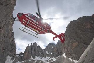 Friuli: due escursionisti uccisi da una valanga, salvo il terzo componente solo sfiorato dalla neve