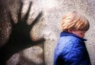"""Rimini, abusi su un bimbo di 8 anni: pensionato nei guai. Alla mamma diceva: """"Mi sento sporco"""""""