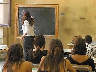 Scuola, governo annuncia nuove assunzioni: arrivano 16mila docenti in più in classe