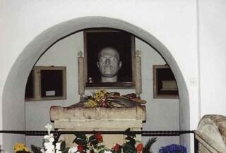"""Alessandra Mussolini annuncia messa per il nonno Benito. L'Anpi: """"No apologie del fascismo"""""""