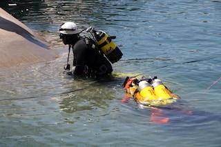 Cade dalla barca e annega nelle acque del Lago Maggiore