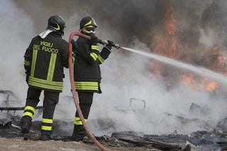 Brindisi, divampa incendio in una casa: uomo di 69 anni muore carbonizzato