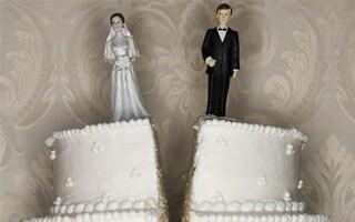 """Coppia divorzia tre minuti dopo le nozze: """"Mi ha detto 'stupida'"""""""