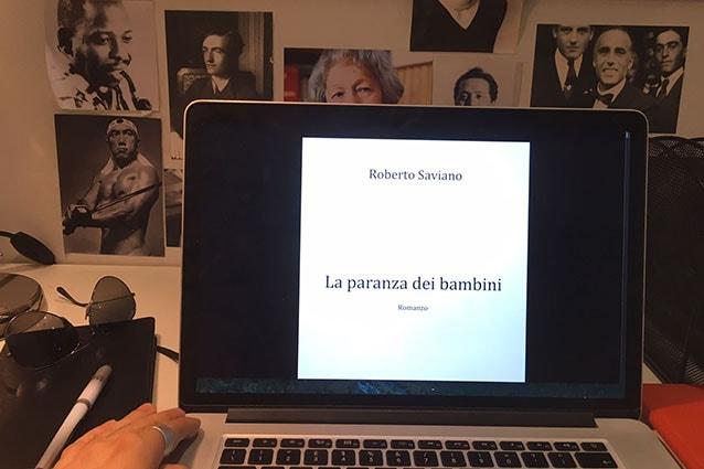 Immagine tratta dalla pagina Facebook di Roberto Saviano