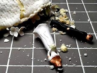 Festa di nozze finisce in tragedia a Cagliari, travolge il rivale in auto e lo uccide