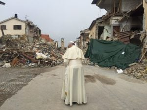 papa-francesco-amatrice-terremoto