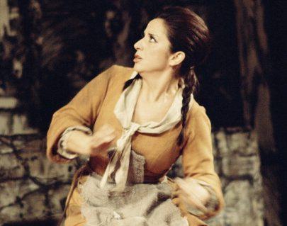 Il mezzo soprano spagnolo Teresa Berganza nei panni di Cenerentola (1972)