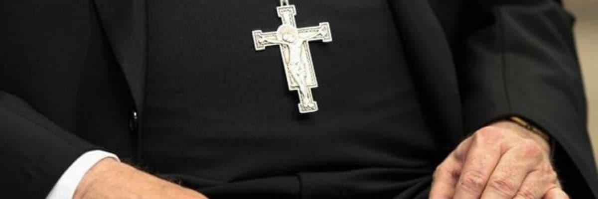 f826986ecc Filmava i bambini mentre li violentava: prete a processo in provincia di  Foggia