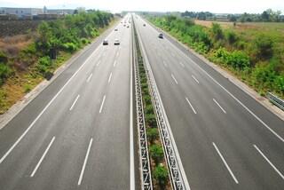 """Spagna, diventano gratis 600 km autostrade. M5s: """"Non rinnovata concessione Atlantia, imitiamoli"""""""