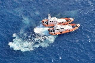 Lampedusa, trovato barcone in fondo al mare con 12 cadaveri: c'è una mamma abbracciata al figlio