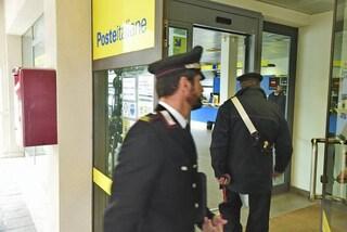 Cisternino, far west davanti alle Poste: banditi armati di kalashnikov assalgono portavalori