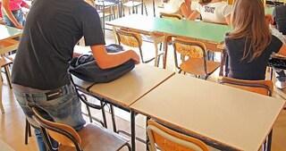 """""""Omosessualità è brutta malattia"""" e colpisce a calci e pugni lo studente: prof di Assisi condannato"""