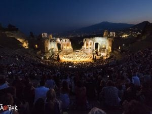 Teatro antico di Taormina durante il Taobuk 2017.