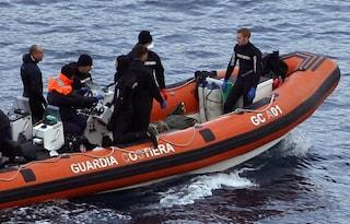 Giardini Naxos, scoperto cadavere in mare: era incastrato tra gli scogli