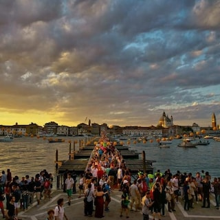 A Venezia dal 2022 si potrà accedere solo su prenotazione e a pagamento