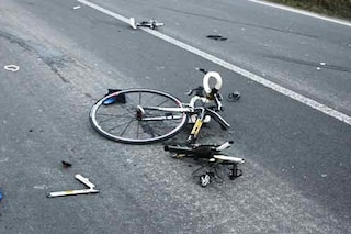 Padova, cade dalla bici ed è travolto da auto: Luciano muore alla vigilia della laurea del figlio