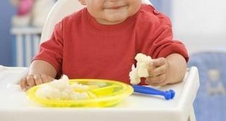 Alessandria, bimbo mangia per la prima volta a 3 anni: intervento riuscito, la festa in ospedale
