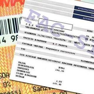 Bollo auto e multe cancellate, la nuova misura nel decreto Sostegno: chi può beneficiarne