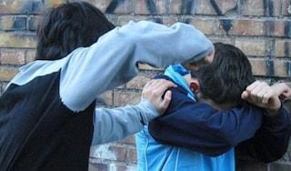 """Foggia, in ospedale 14enne aggredito da baby gang: """"Sputi sui vestiti e un pugno al volto"""""""