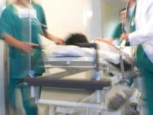 Cadere Dal Letto.Messina Paziente Cade Dal Letto Dell Ospedale Batte La