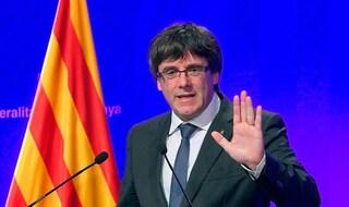 Puigdemont arrestato ad Alghero, giudice libera l'ex leader catalano ma dovrà restare in Sardegna