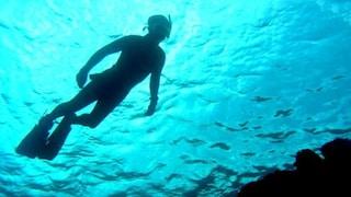 Sardegna, sub travolto da un motoscafo muore dissanguato: la sua gamba è stata tranciata dall'elica