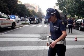 Reggio Emilia, uomo di 28 anni palpa il seno a una poliziotta in servizio: arrestato