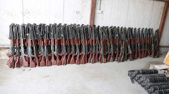 Un lotto di mitragliatrici leggere cinesi sequestrate ai miliziani dell'Isis