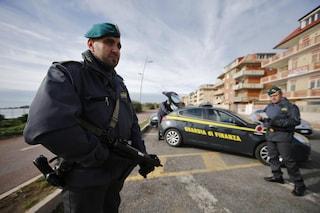 'Ndrangheta: arrestati medico, presidente di banca e imprenditore per legami con cosca Grande Aracri