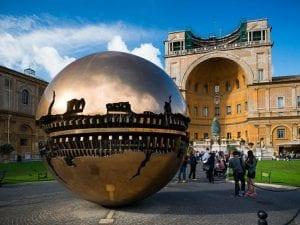 I Musei Vaticani sono fra le istituzioni con più likes su Facebook.
