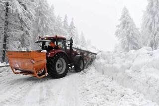 La primavera tarda ad arrivare: domenica tra neve e piogge in tutta Italia