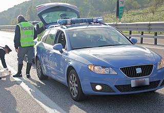 Ancona, ragazzino travolto da un'auto e ucciso. Camminava sulla strada statale