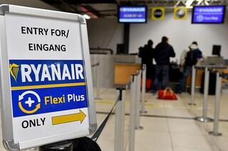 Coronavirus, Ryanair e Easyjet annullano i voli internazionali da e per l'Italia fino ad aprile