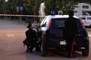 Alessandria, sparatoria in casa dopo una lite: due minorenni in fin di vita