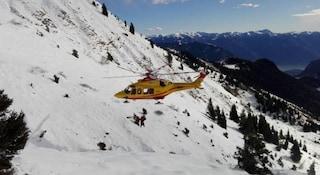 Ancora una valanga sulle Dolomiti: travolti quattro scialpinisti, un morto