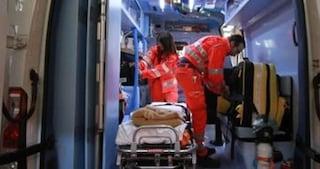 Torino, ha dato fuoco alla sua auto e si è chiuso all'interno: impossibile salvarlo