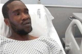 """Ferito da Traini a Macerata, Gideon fugge dall'ospedale: """"Rischia infezioni anche mortali"""""""