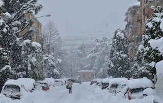 Previsioni meteo 4 febbraio: allerta meteo, tempeste di vento e neve a bassa quota