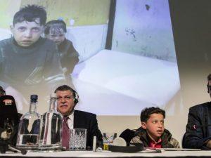 Hassan Diab, il ragazzo di 11 anni testimone del presunto attacco con armi chimiche a Duoma, durante la conferenza stampa organizzata dalla Russia nella sede dell'Opcw